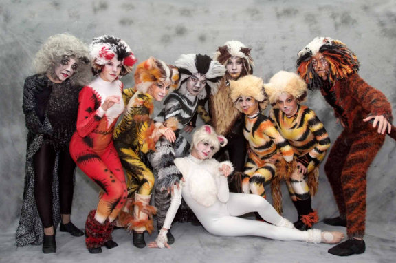 The Jellicle Cats descended on Fallbrook for their latest Jellicle Ball as